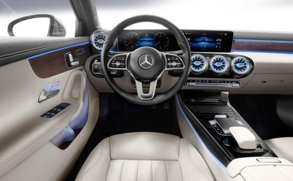 Mercedes-Benz A-Klasse Limousine_2018_03