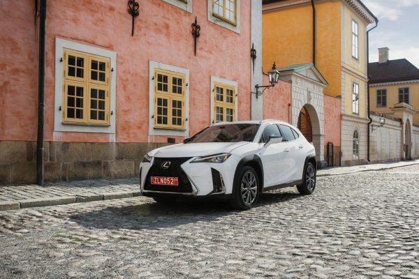 Lexus UX 200 F Sport_2019_01