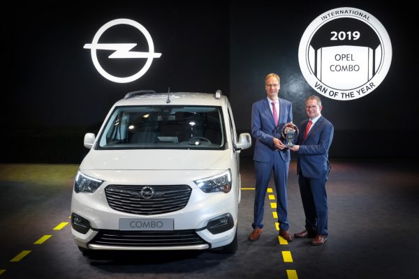 Opel Combo Cargo_Van of the year_2019_01