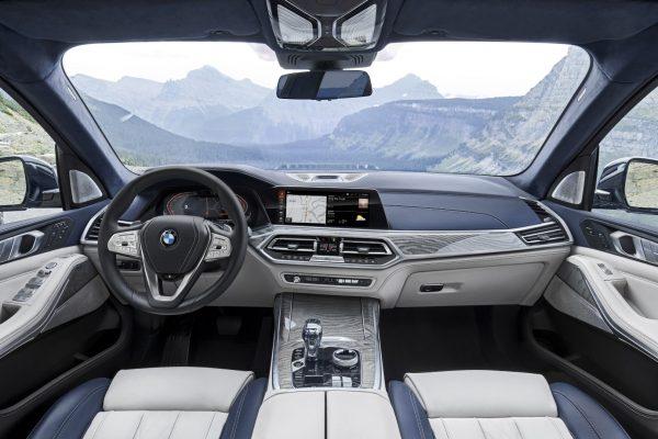 BMW X7_2019_03