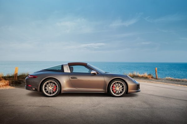 Porsche 911 Targa 4 GTS Exclusive Manufaktur Edition_2018_01