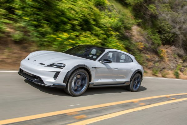 Porsche Mission E Cross Turismo_2019_01