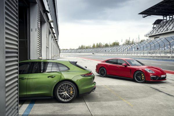 Porsche Panamera GTS Sport Turismo_2018_01