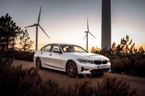 BMW 330e Limousine_2019_02