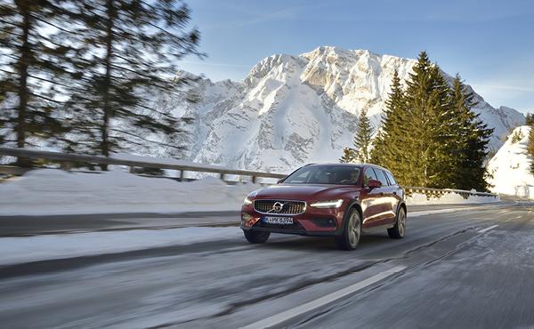 Feiner Kombi fürs Grobe: Volvo V60 Cross Country auf Wintertestfahrt