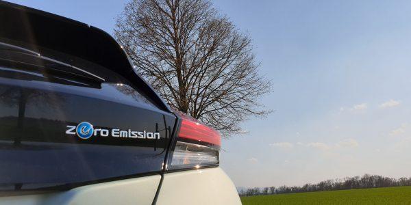 nissan-leaf-2019_emblem-hinten
