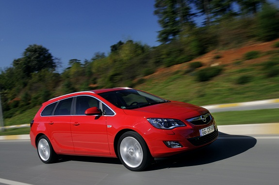 Opel Astra Sports Tourer_1.jpg